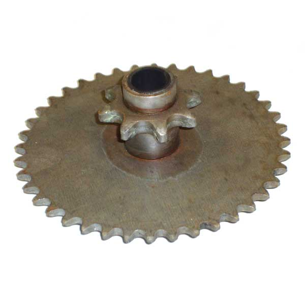 MTD 913-0331 SPROCKET ASSEMBLY-8T &